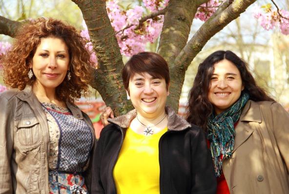 De izda. a drcha., Elsa Flores, miembro de MaMis Hellersdorf, Estrella Betancor, coordinadora districtal de MaMis, y Marita Orbegoso, coordinadora general de MaMis