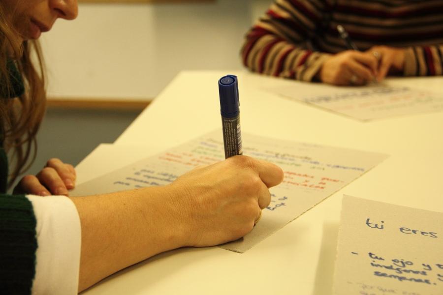 mano_escribiendo